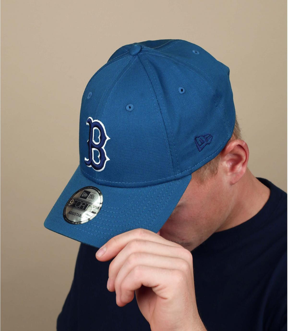 blauwgrijze B cap