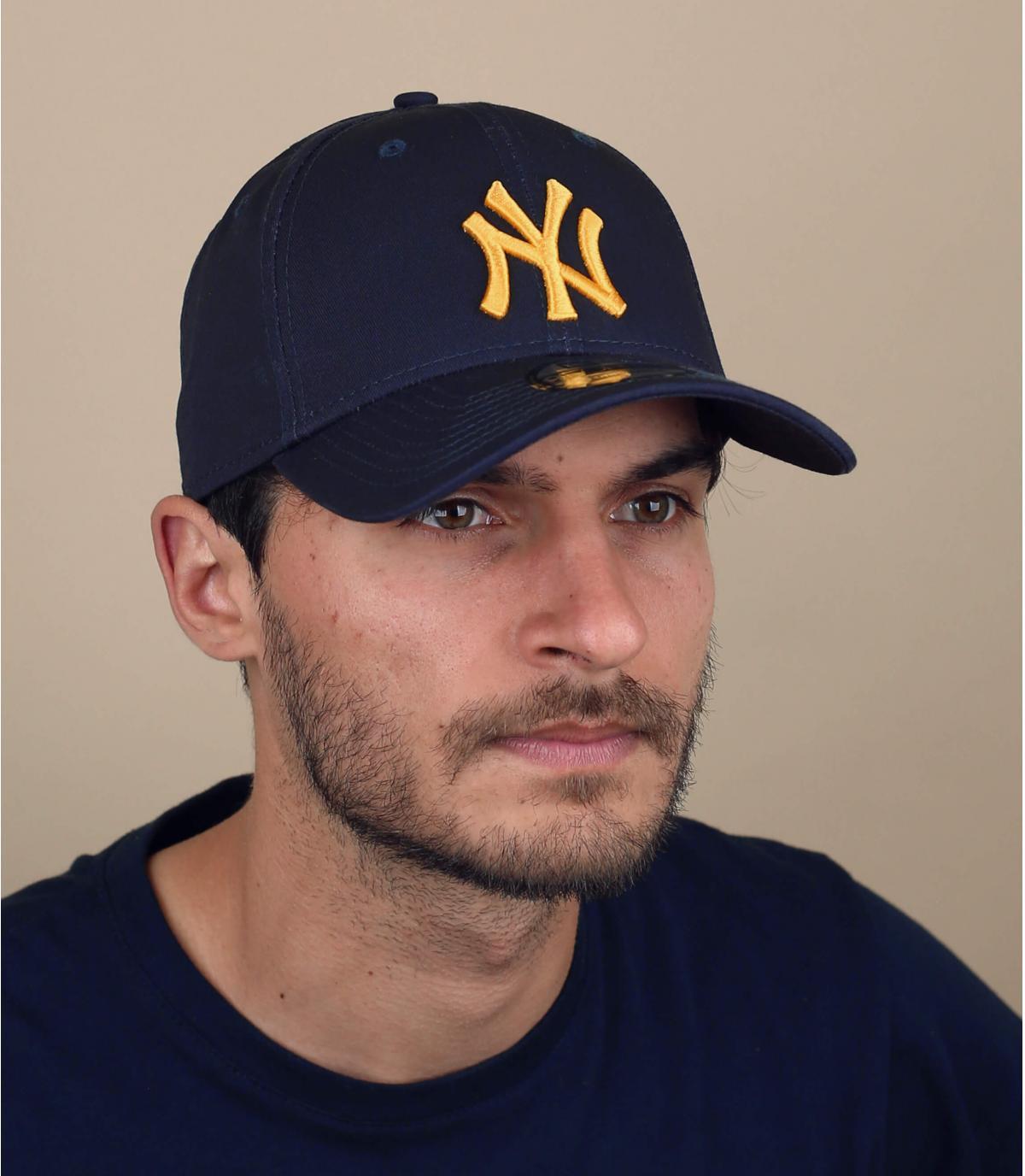 goudblauwe NY cap