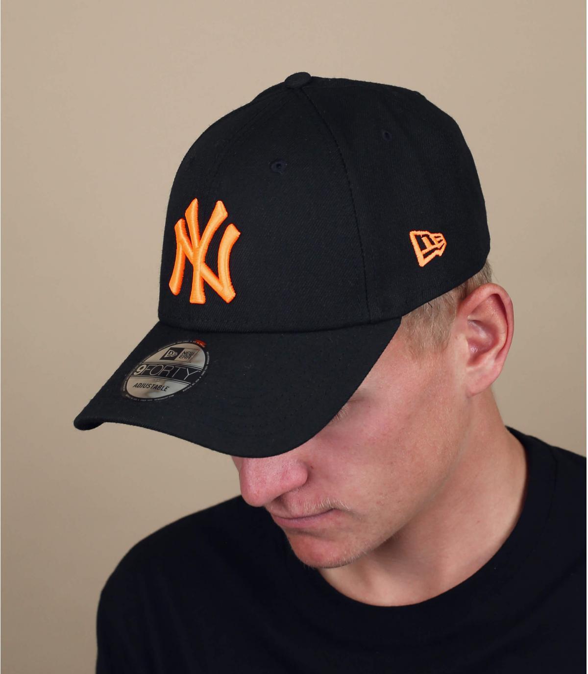 zwarte fluo-oranje NY cap