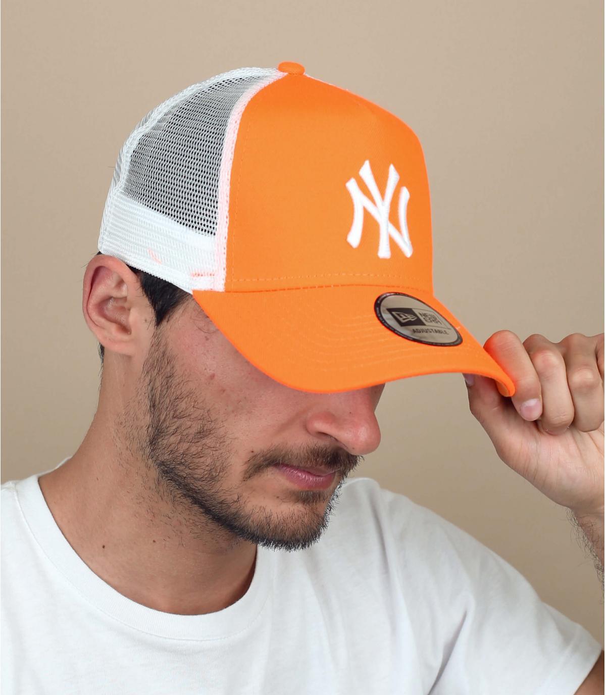 oranje NY trucker
