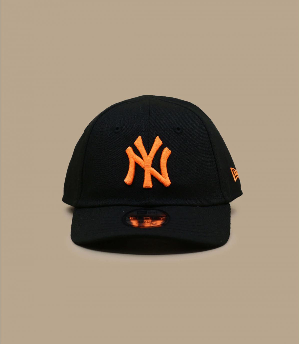 zwart oranje NY babypet
