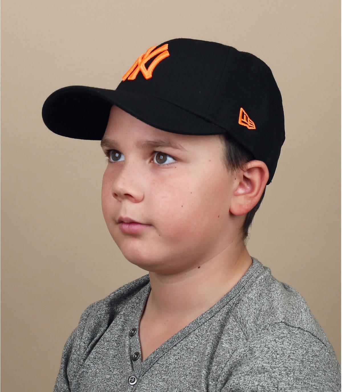 zwart oranje NY kinderpet