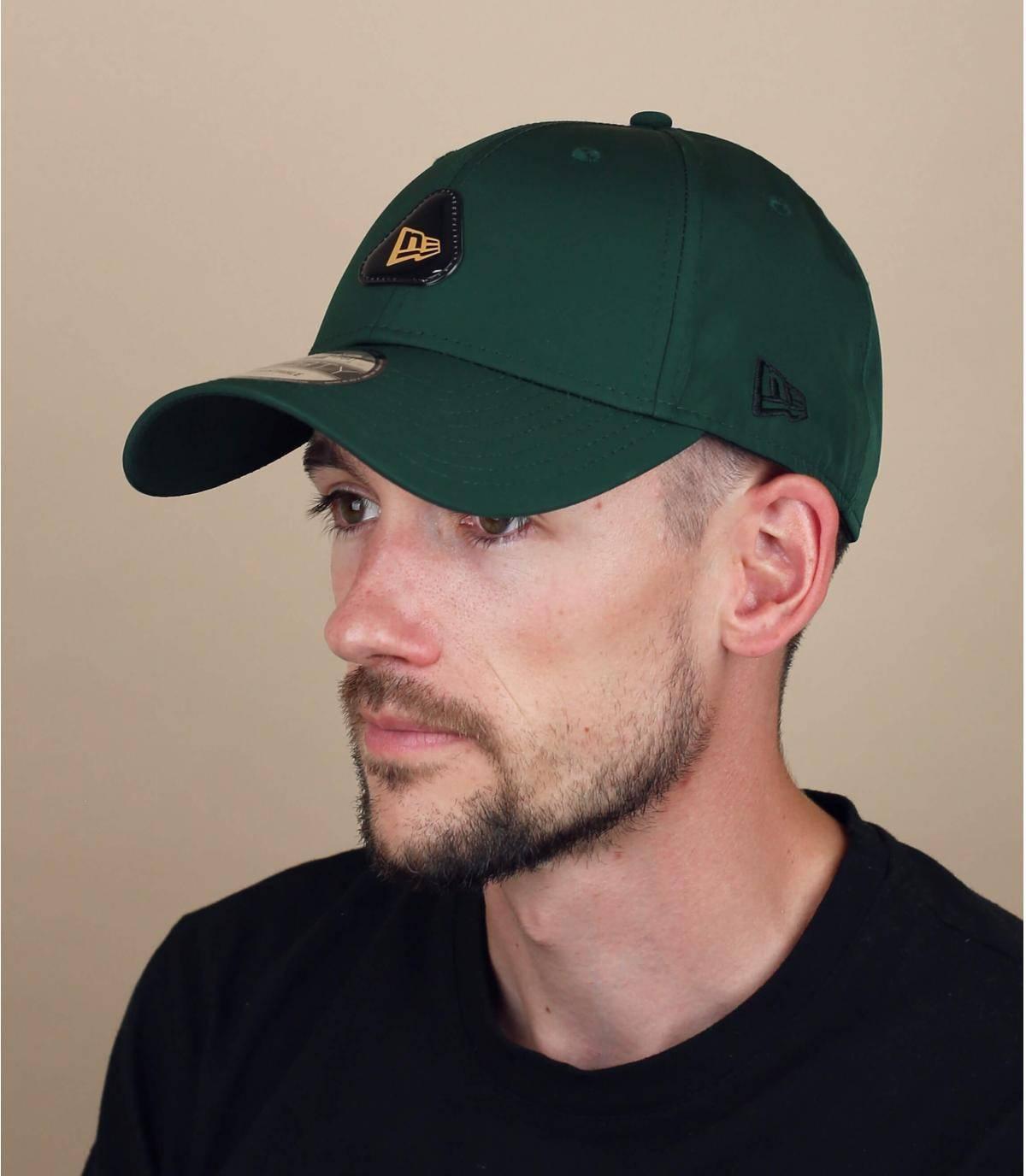 groene New Era cap