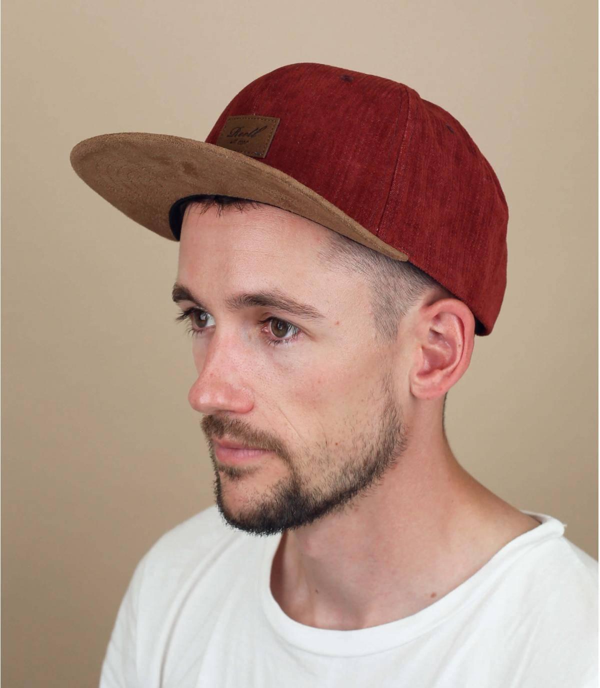 bordeauxrode Reell cap