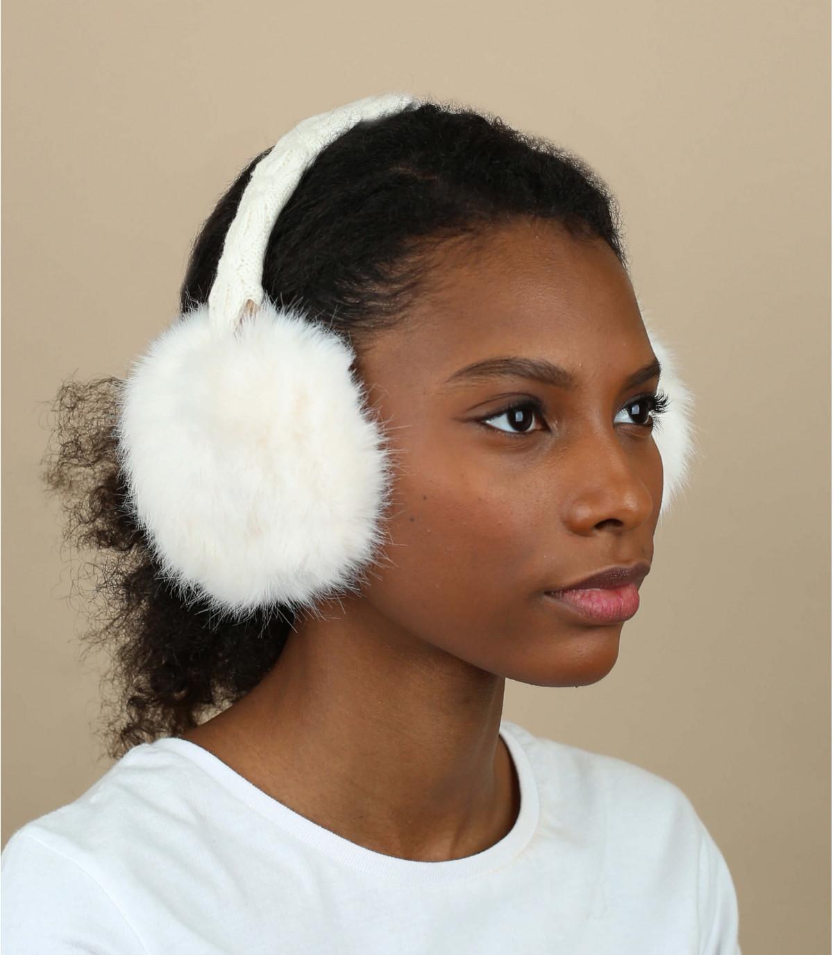 Wit bont oorbeschermers