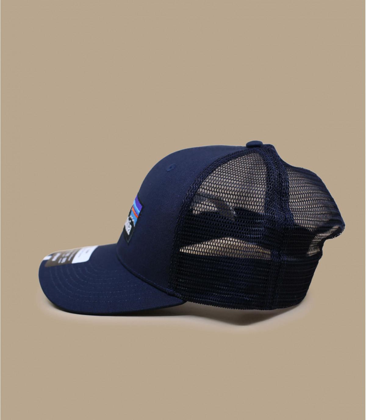 93c9c933b79 blauw gebogen vizier cap. blauw gebogen vizier cap · Patagonia P6 logo  trucker hat navy blue. 30€ - Niet verkrijgbaar