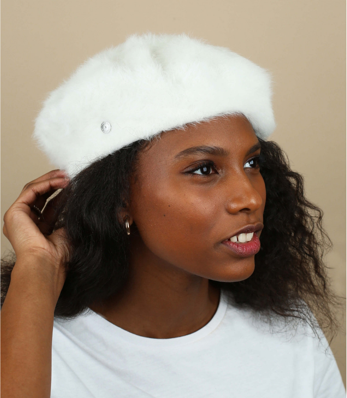 witte angora baret Laulhère