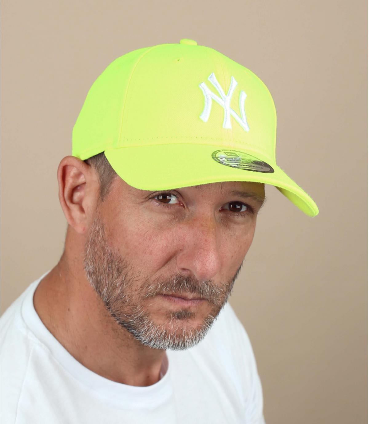 Flashy geel trucker cap