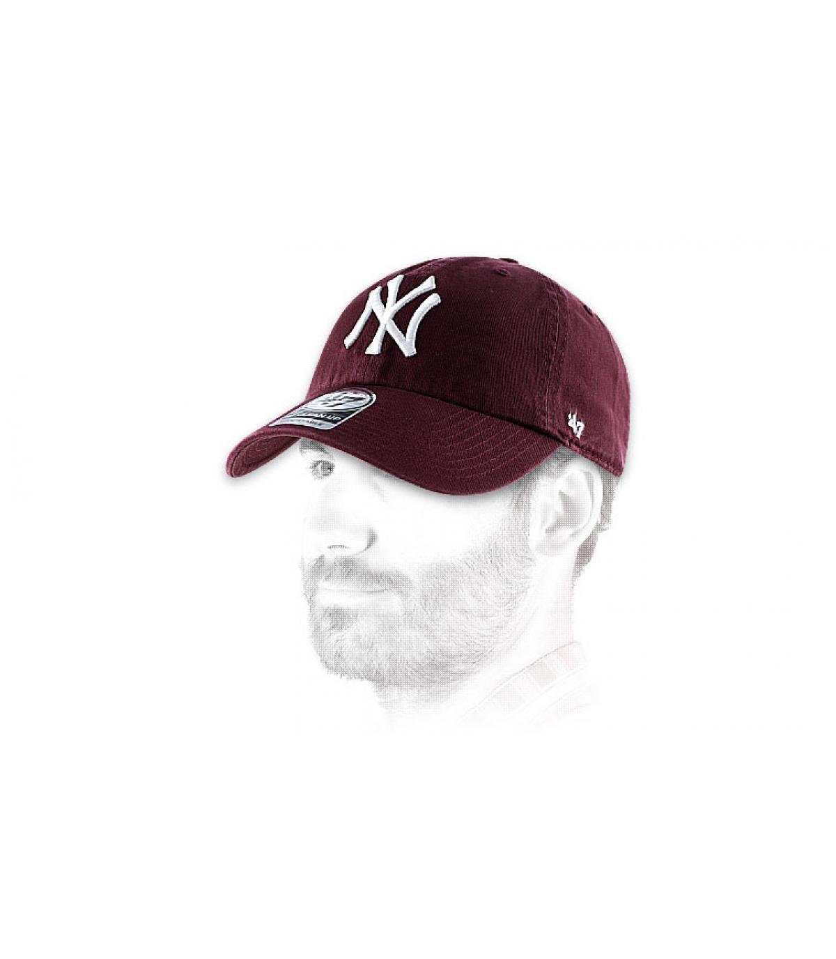 Burgundy NY curve cap