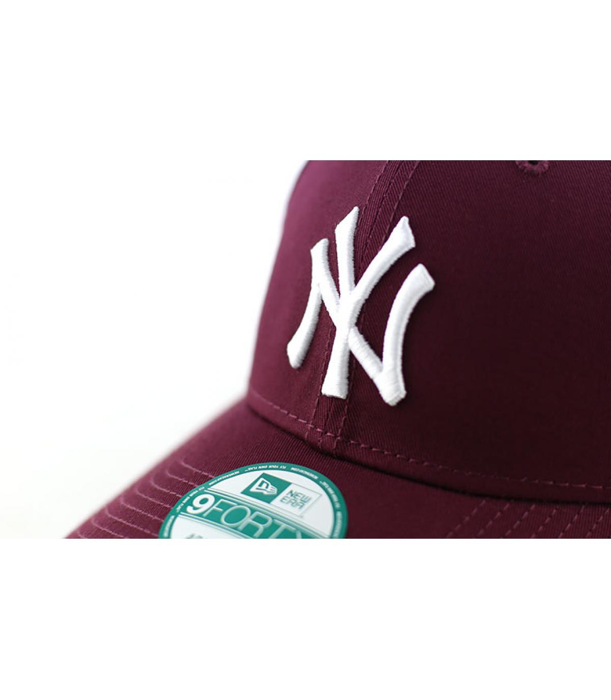 Details League essential Ny maroon - afbeeling 3