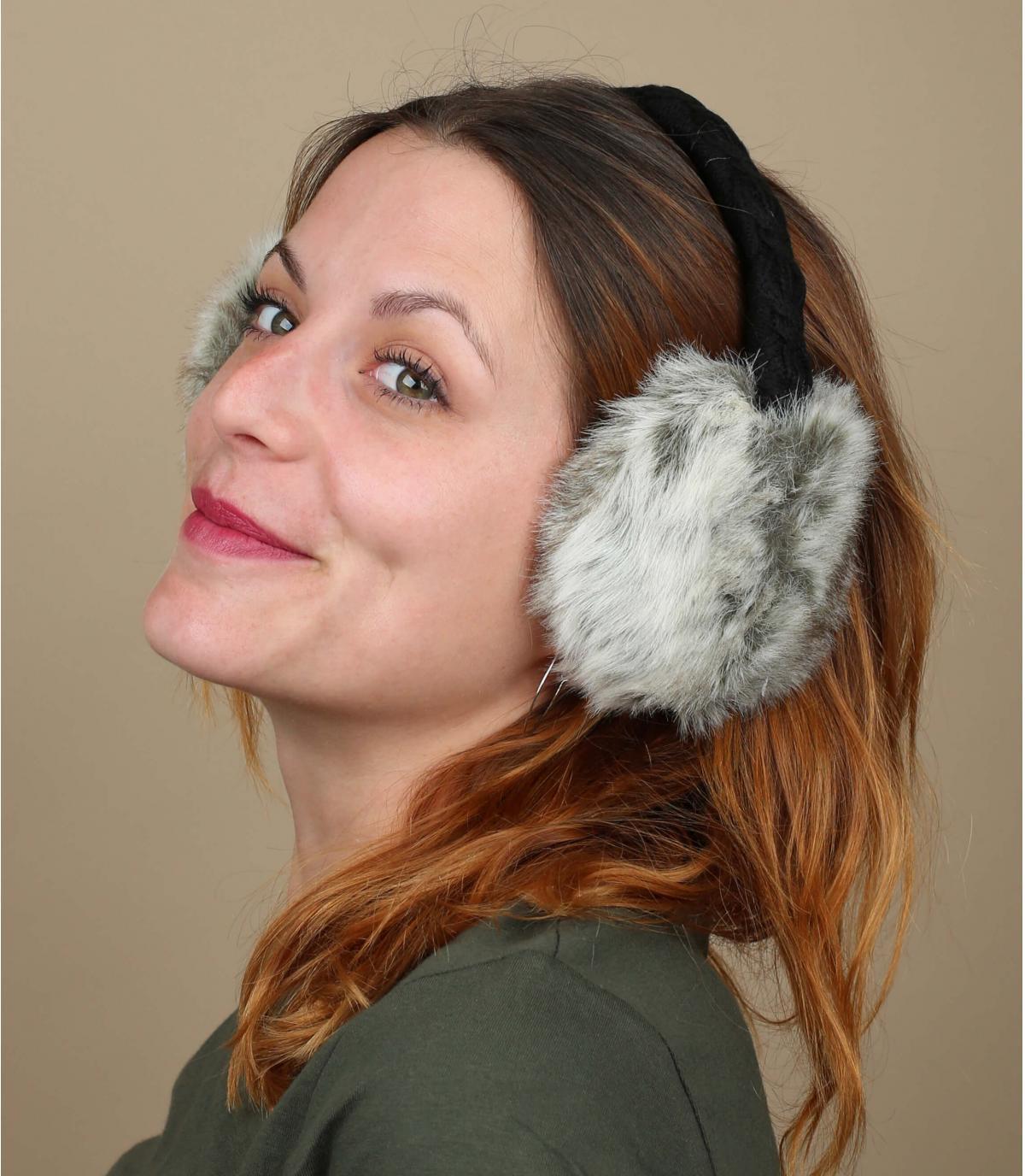 Grijze oorwarmers