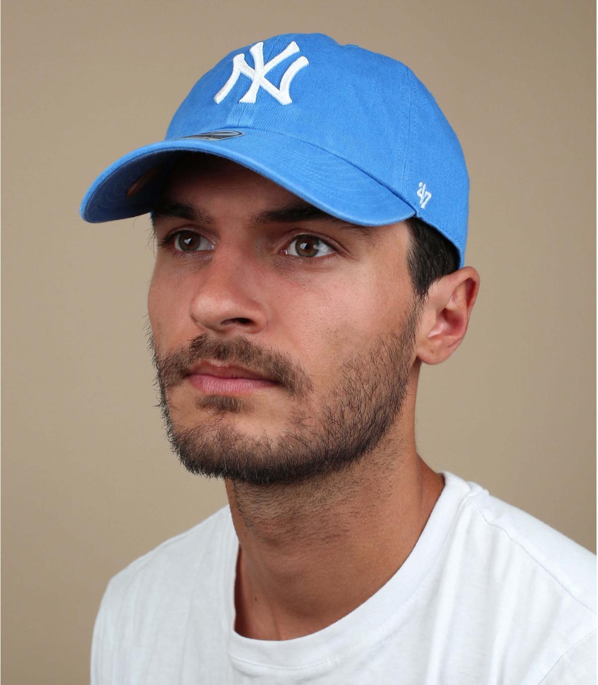 lichtblauw NY hoed