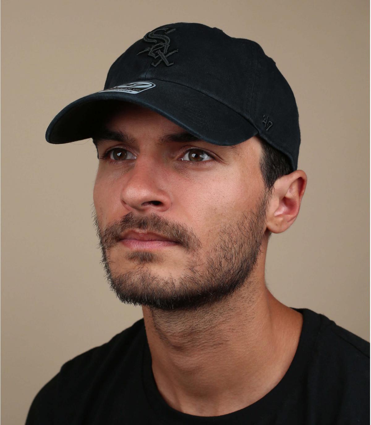 curve black Sox cap