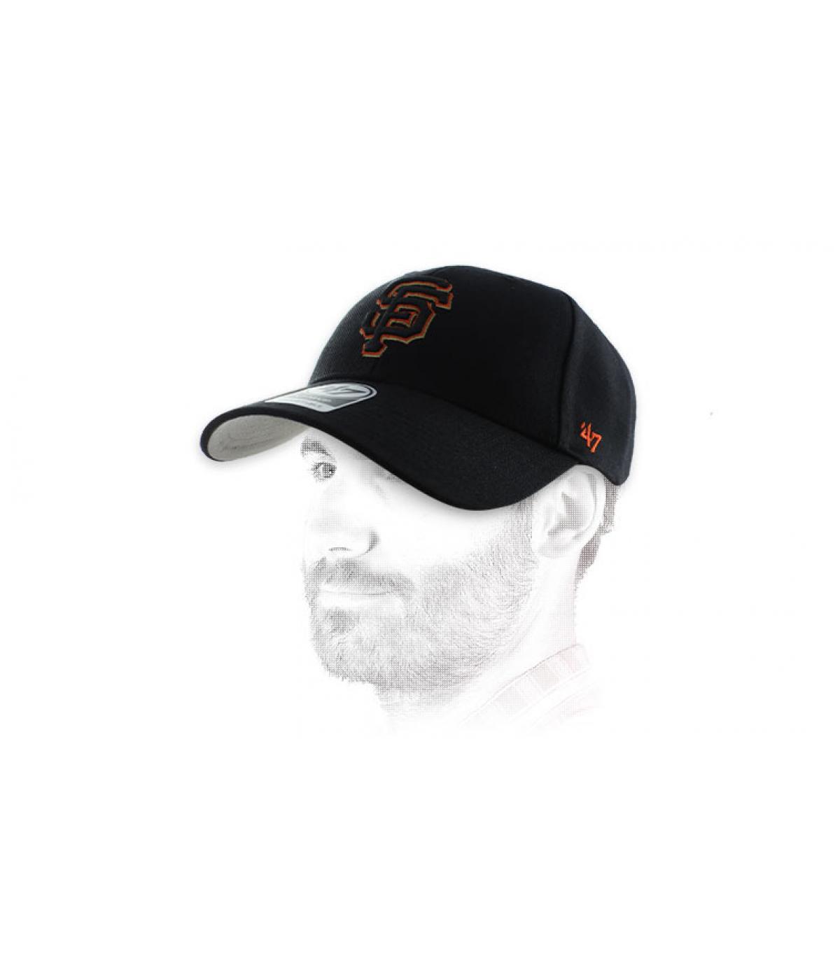 oranje zwarte pet SF