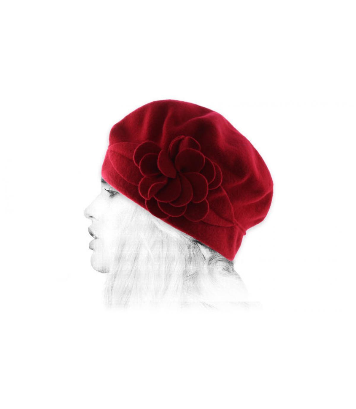 wollen muts rode bloem