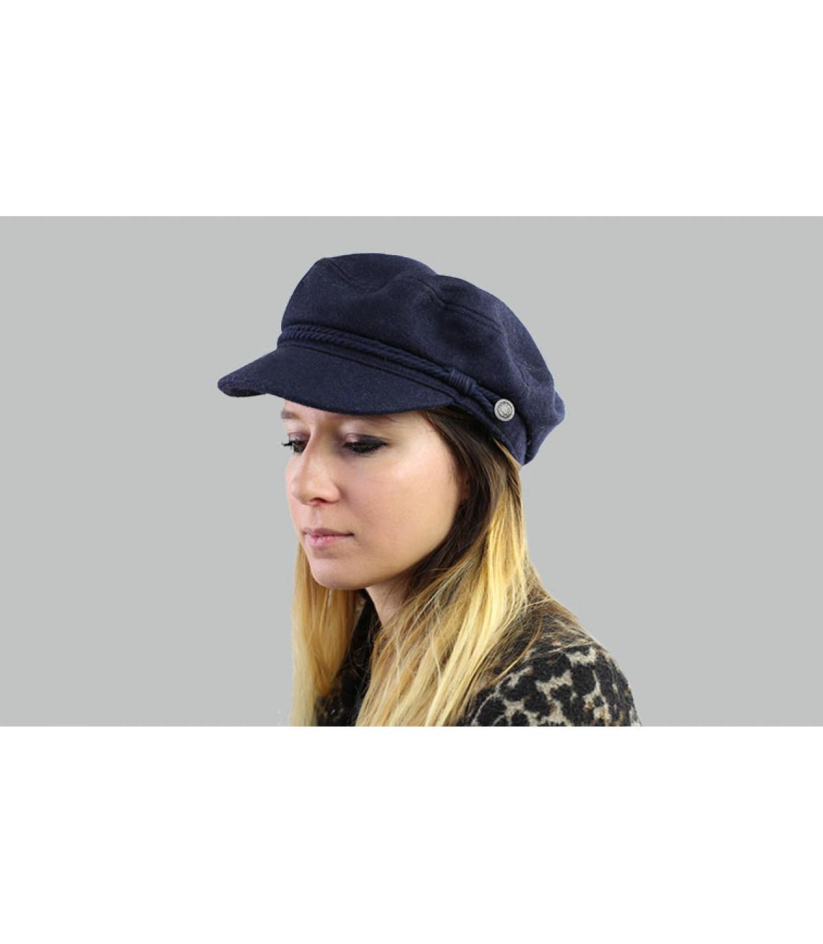 navy blue cap Barts