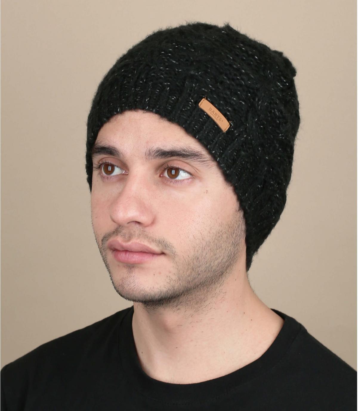 lange zwarte cap wendingen