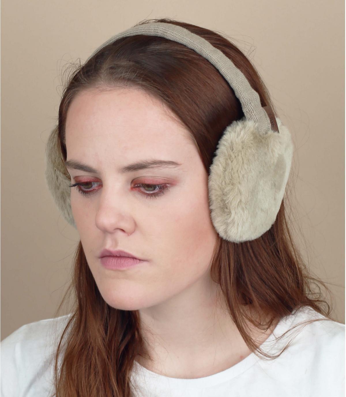beige bont oordopjes