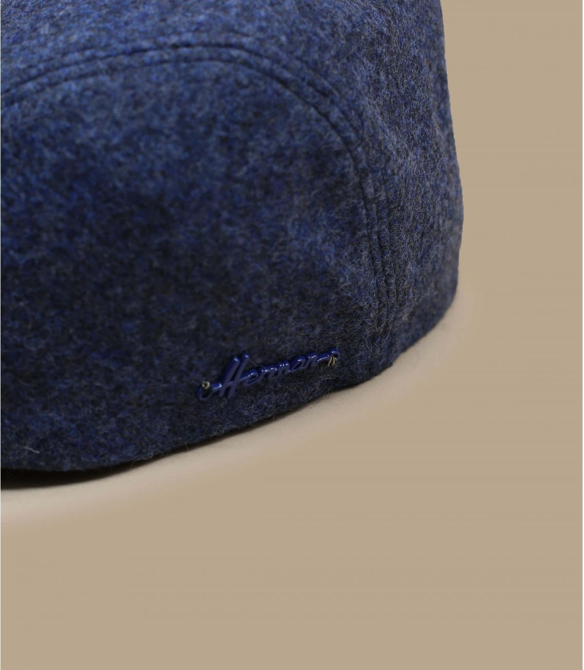 blauwhelm wol oorschelp